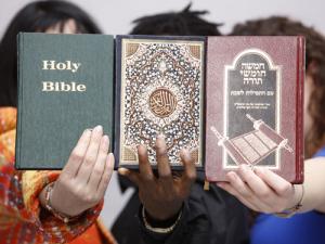 Resultado de imagen de Biblia y Corán